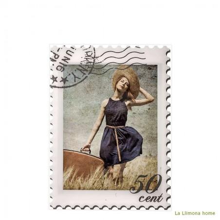 Marco portafotos stamp para fotos 13x18 acrílico. Alto: 22.5 cms.