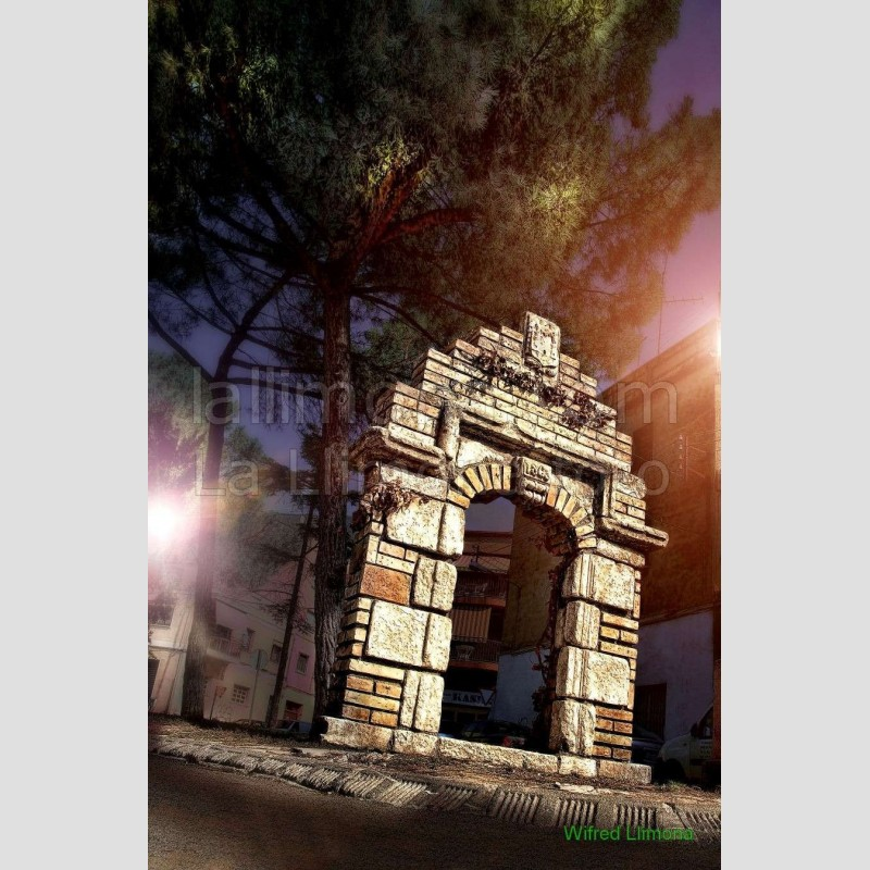 Portal antigua torre Espirall F00026-2 · Autor: Wifred Llimona · Fotografías artísticas paisajes urbanos · La Llimona foto