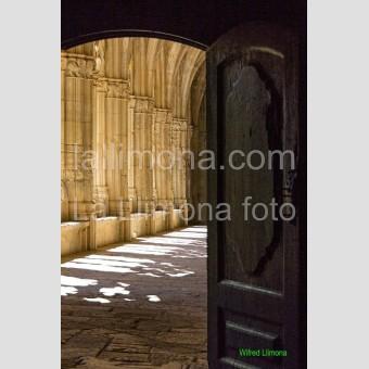 Puerta del claustro F00402 Wifred Llimona · Fotos artísticas puertas y ventanas