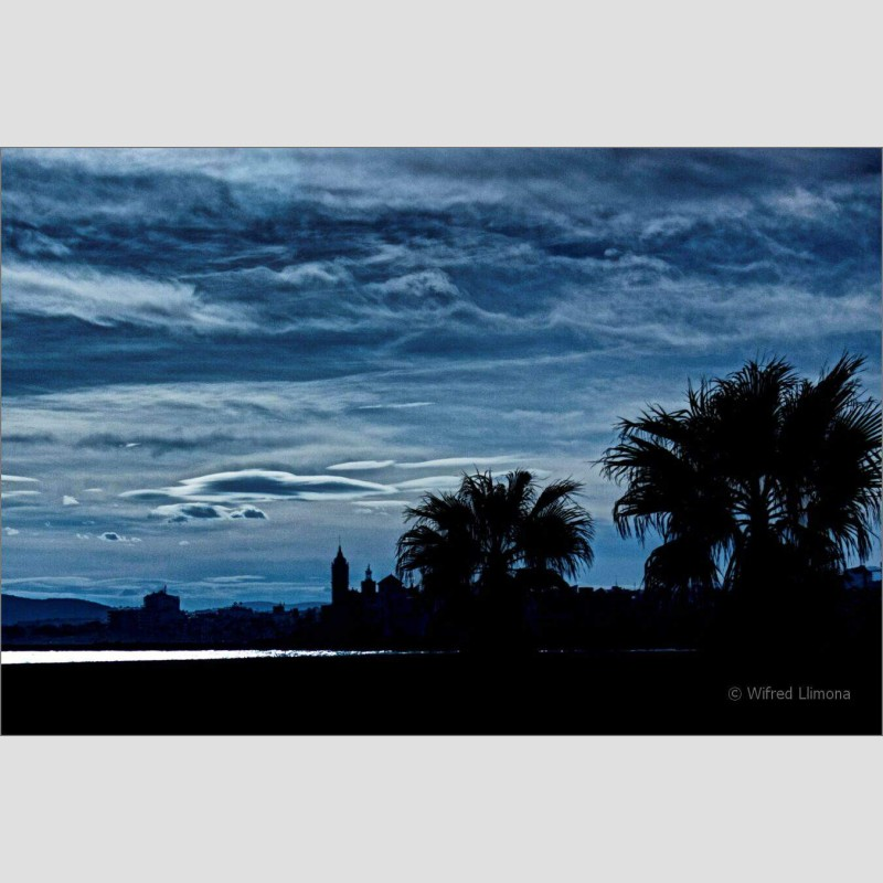 Perfil Sitges F00589 Wifred Llimona · Fotos artísticas paisajes urbanos