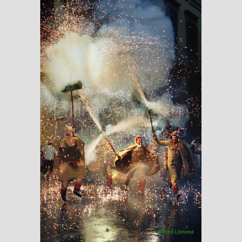 Baile diablos F00107-2 · Autor: Wifred Llimona · Fotografías artísticas estilo de vida · La Llimona foto