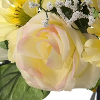 Ramo flores artificiales hibiscus y cosmos amarillas · Ramos cementerio flores artificiales 3 · La Llimona home