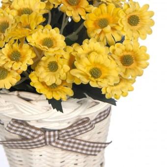 Planta margaritas artificiales amarillas con maceta mimbre · Plantas artificiales con flores 3