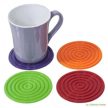 Set de posavasos de silicona redondos de colores. Diámetro: 10 cms.