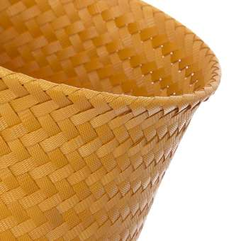 Macetero cesta 3 pies Up High amarillo · Macetas y jardín · La Llimona home